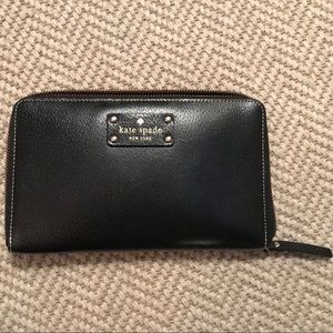 Kate Spade large wallet / clutch
